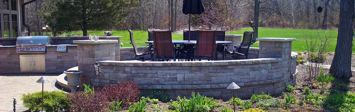 Landscaping and Custom Patio Outdoor Kitchens in Green Bay Area