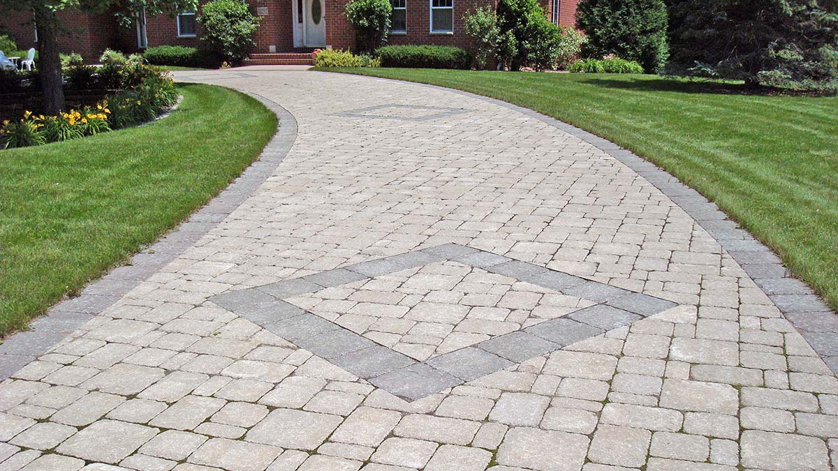 Paver, Brick or Stone Driveways, Pathways and Sidewalks in Green Bay and Door County