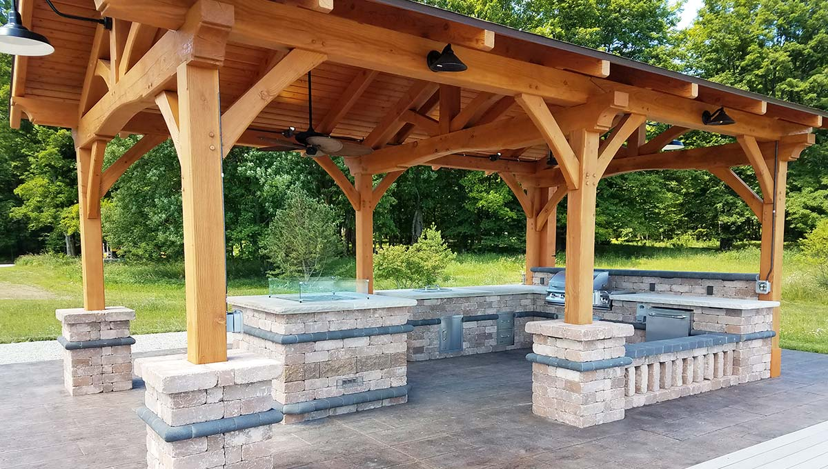 Covered Outdoor Kitchen in Green Bay and Door County