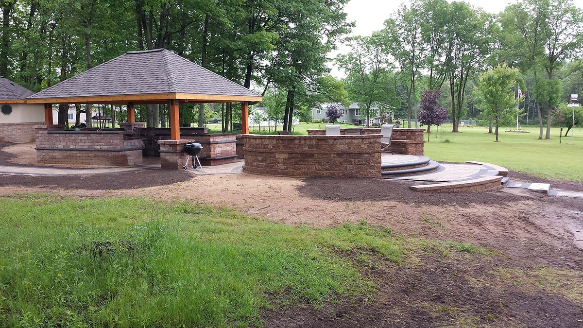 Covered Outdoor Kitchen and Custom Patio in Green Bay and Door County