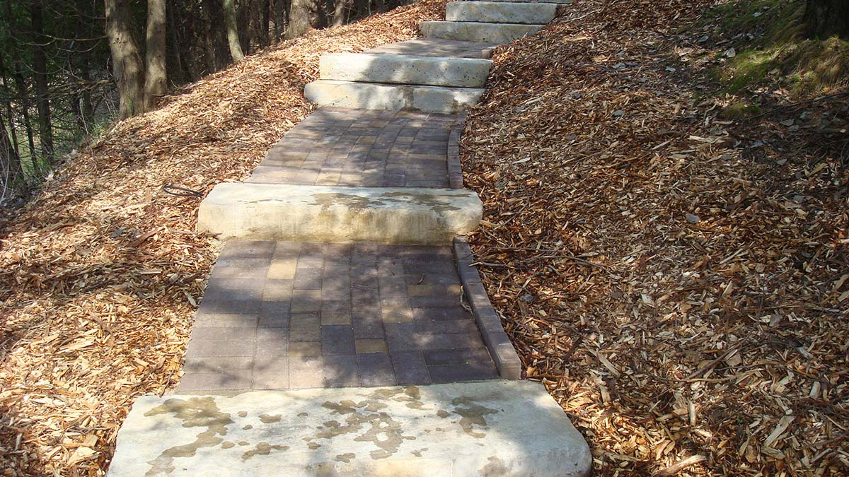 Stone Landscaping Step Systems and Path in Green Bay and Door County